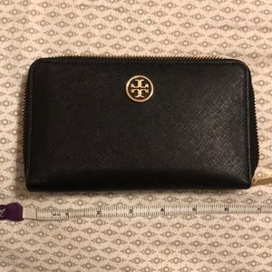 Tory Burch Black Leather Zip Wallet